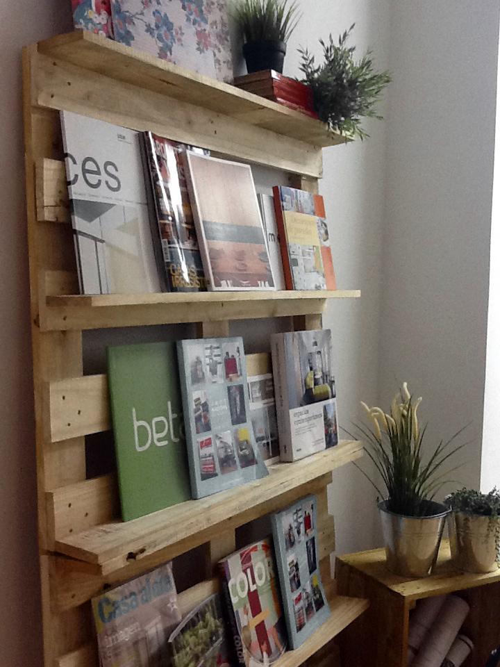 escuela de decoración estantería con libros