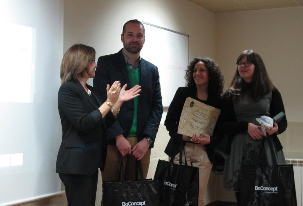 alumnos-directora-esmadeco-premio-really-diseño