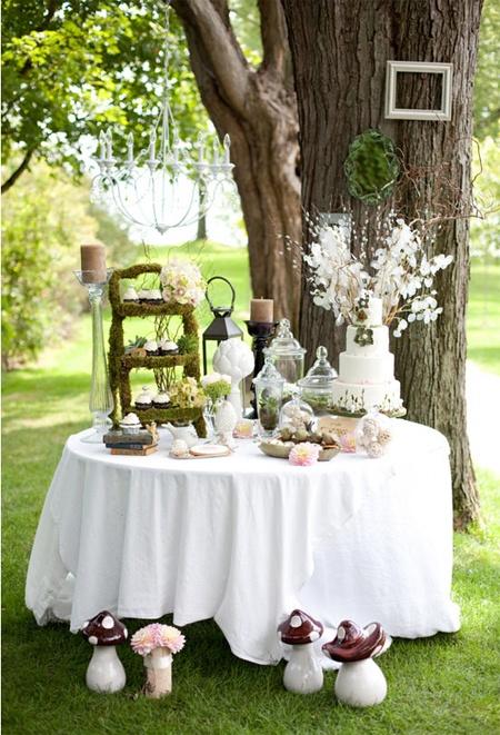 Decoraci n de bodas estilo campestre r stico y vintage for Arreglos de mesa para boda en jardin