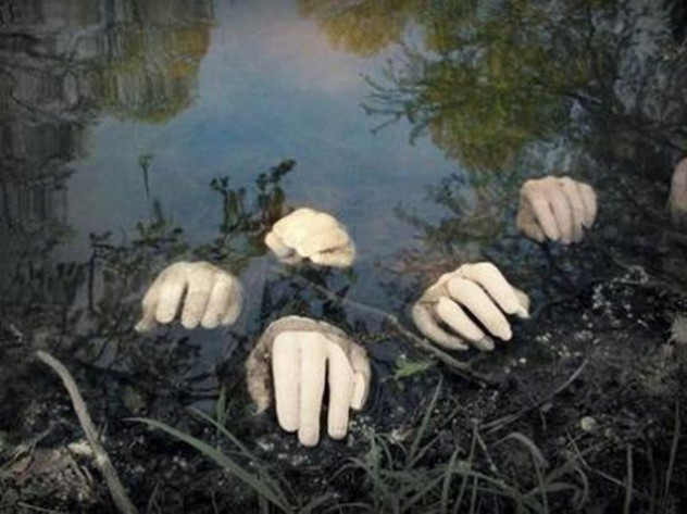 pond-hands-halloween