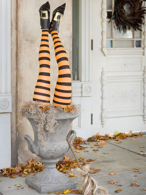 stylish-spooky-halloween-outdoor-decoration-idea