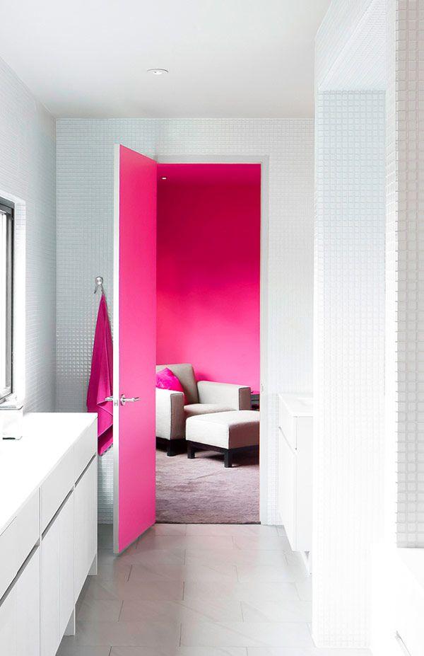 puertas con colores llamativos