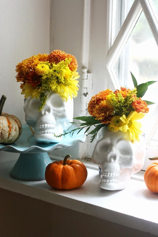 decoración halloween con calaveras