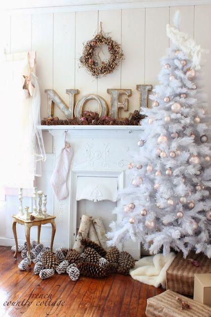 ideas para decorar tu árbol de Navidad blanco