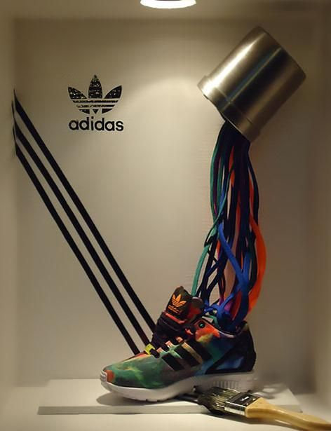 ecaparates adidas visual merchandising