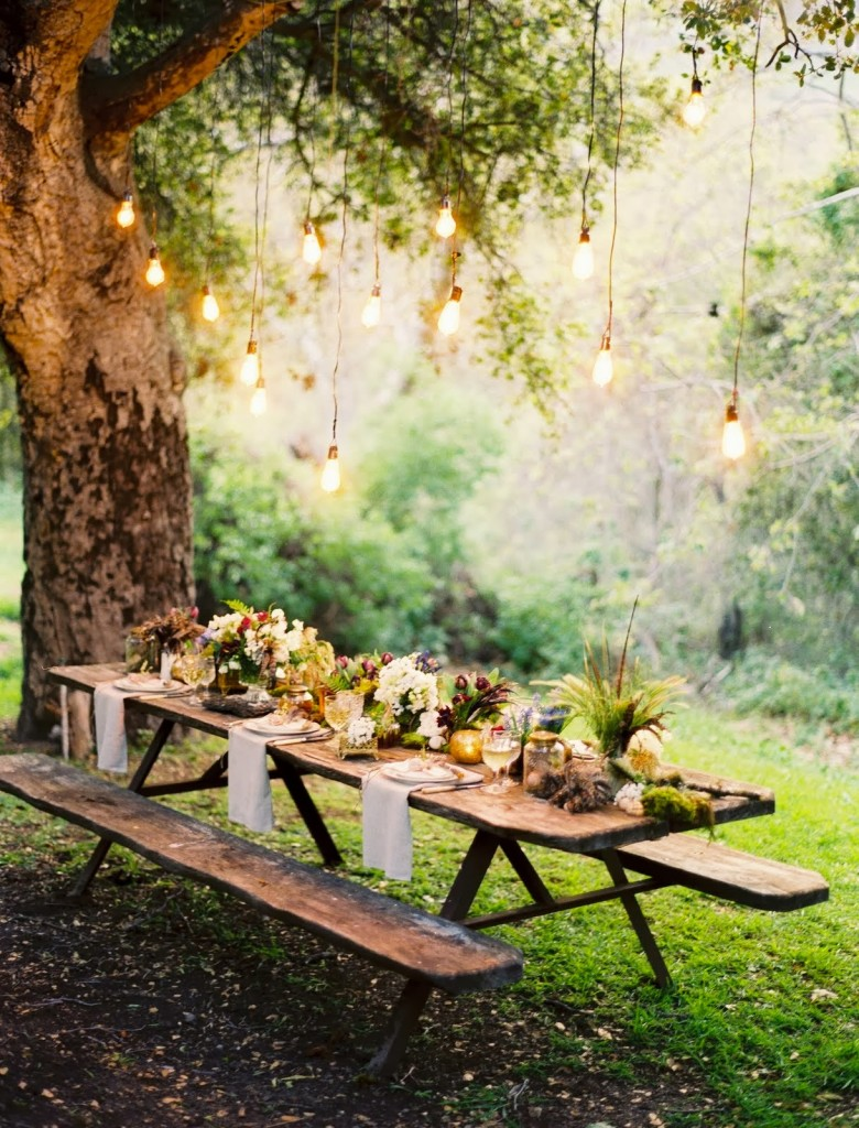 decoración exteriores jardin con luces