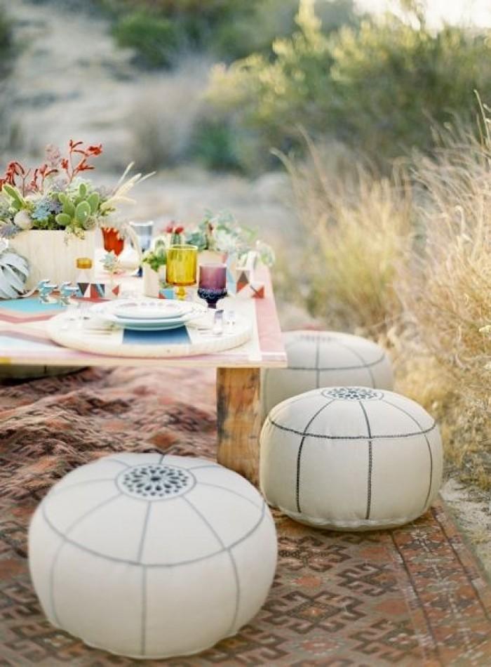 decoración exterior mesa con puf