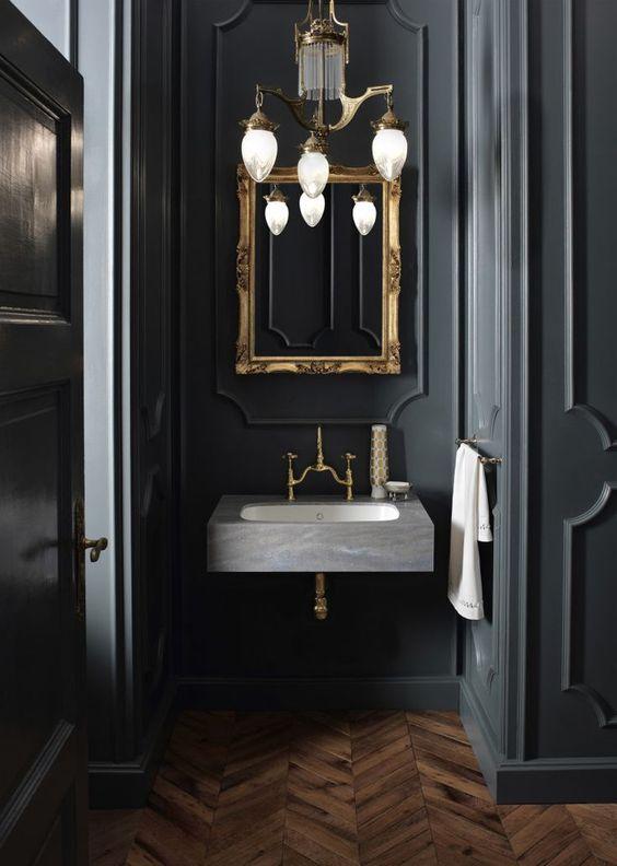 baño detalles color oro