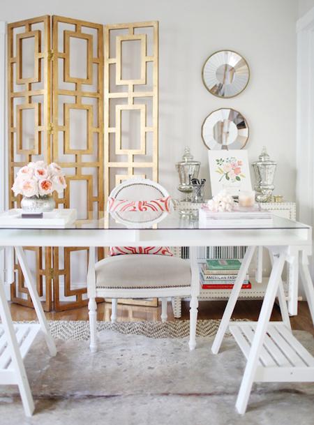 escritorio detalles color oro