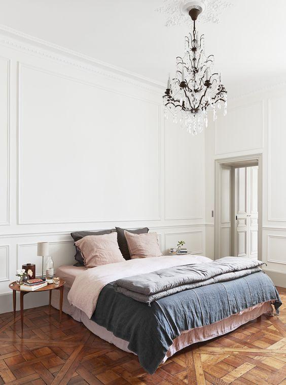 dormitorio con inspiracion parisina