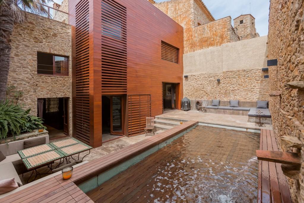 piscina casa de lujo girona